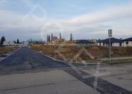 Pohľad z Topolovej na Gaštanovú ulicu